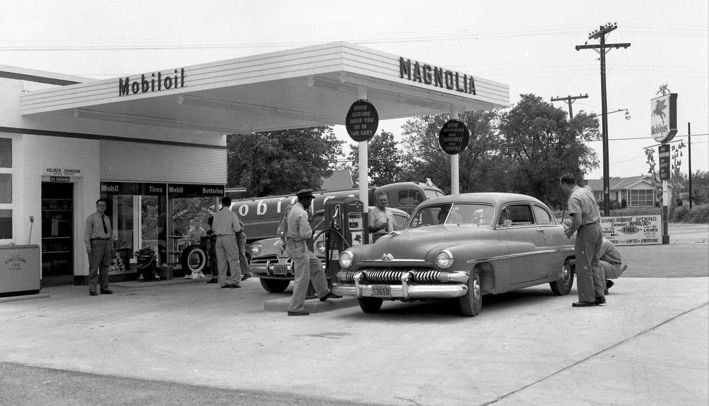 Magnolia Mobilgas 1955 Gas station, Old gas stations