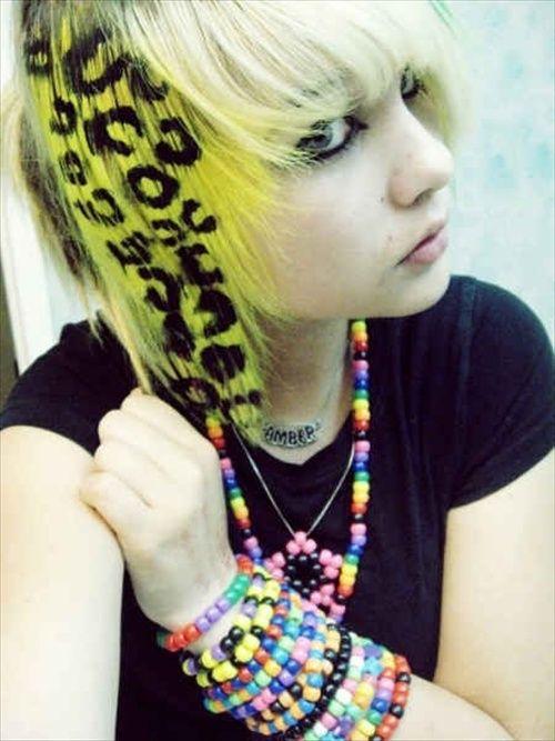 Emo girl hair I like the idea but I don t like yellow