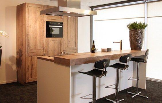 Keukeneiland met houten bar google zoeken idee n voor het huis pinterest houten bar for Kleine amerikaanse keuken met bar