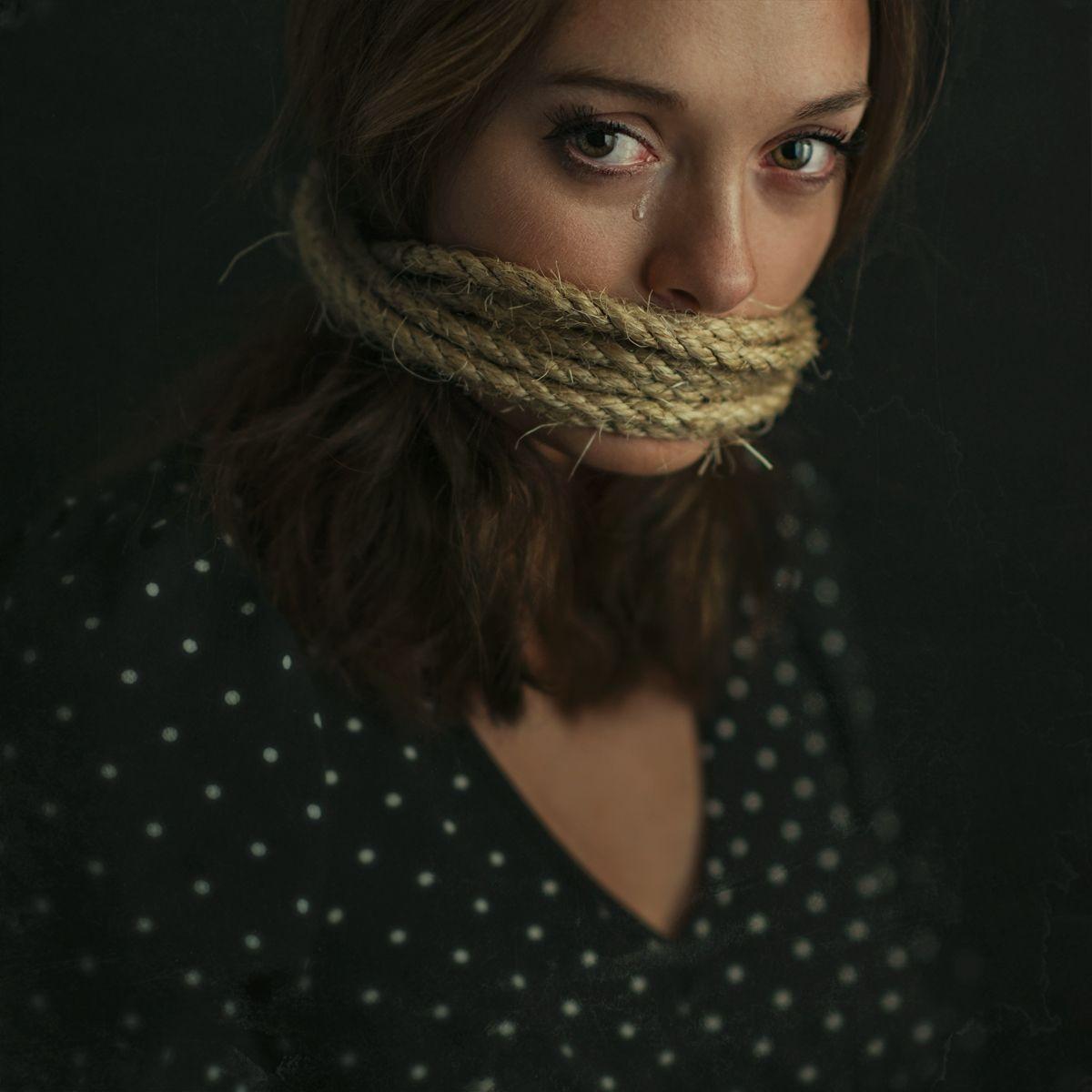 Pawel Pentlinowski Elva Trill Dark Beauty Photography Dark Beauty Magazine Supermodels