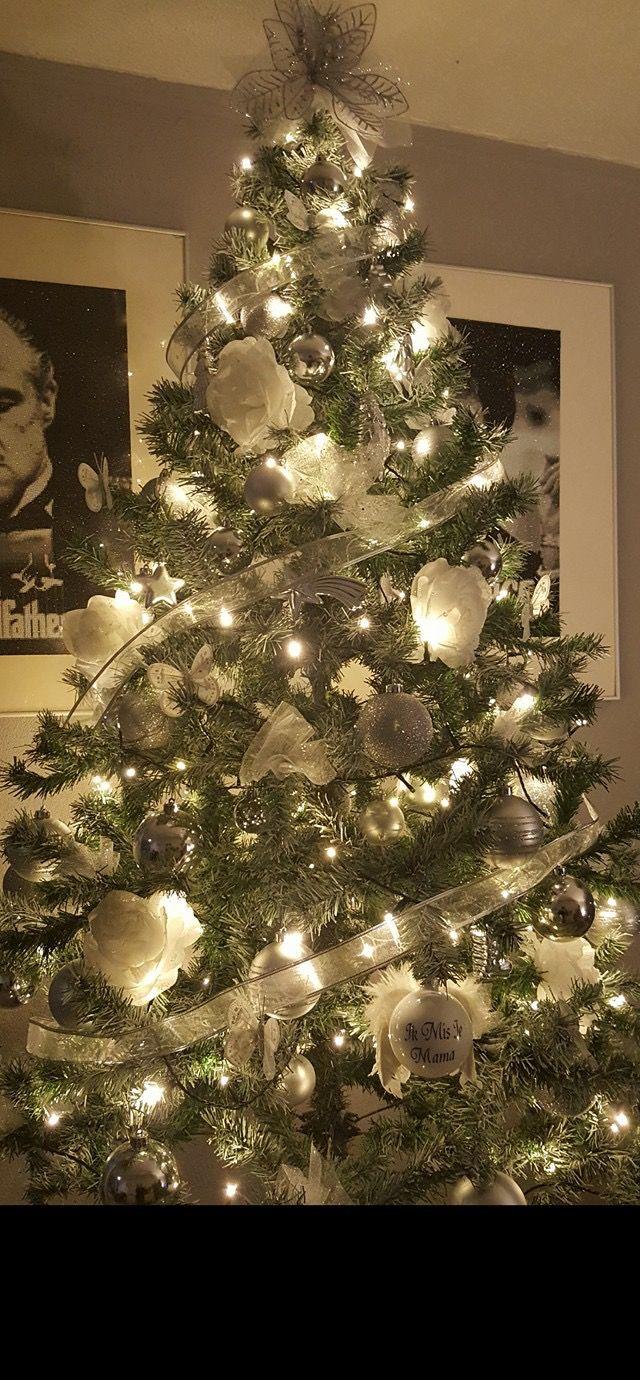 Kerstboom Zilver En Wit Kerstboom Kerst Kerst Knutselen