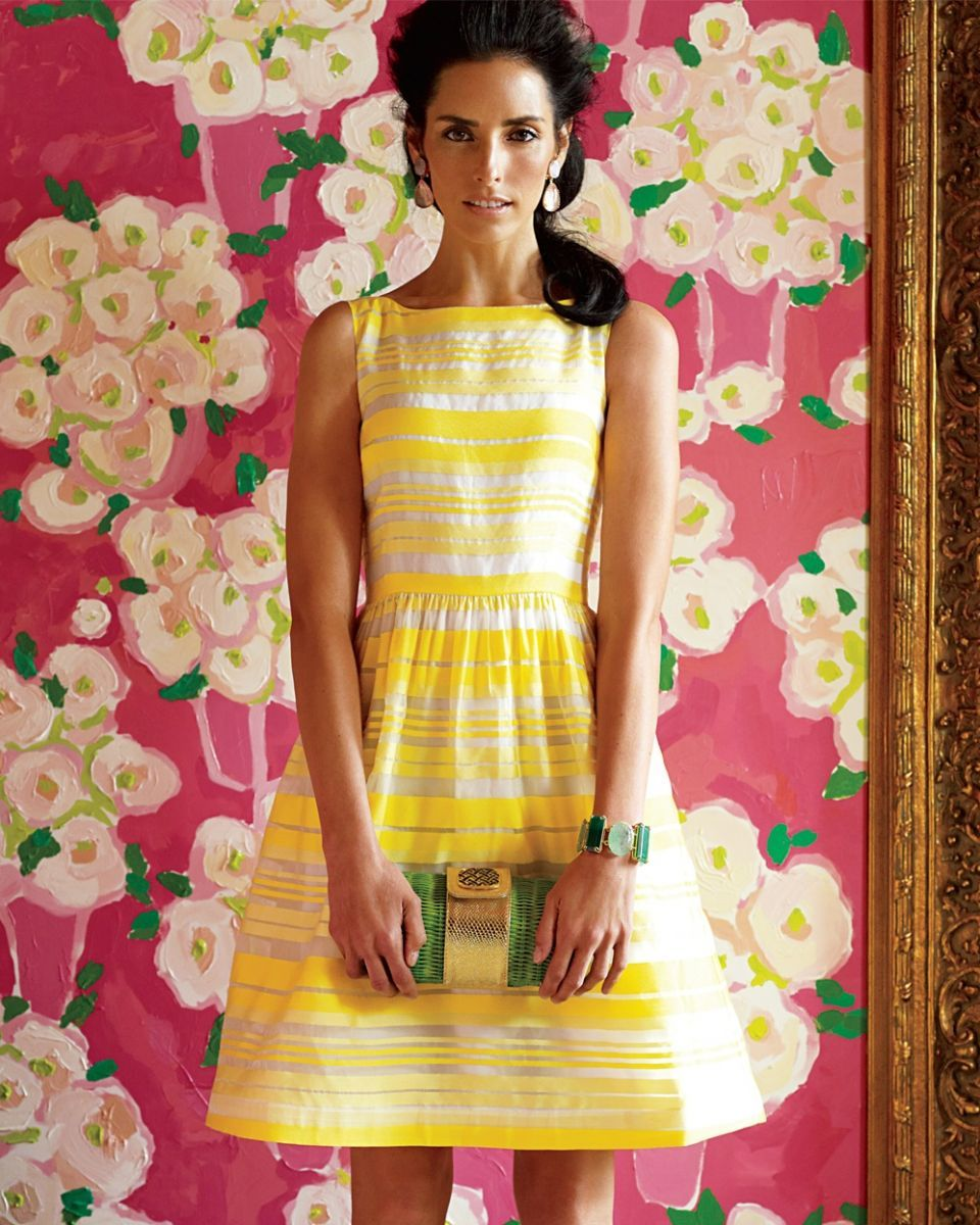 Lilly Pulitzer dress. So pretty, especially with the green clutch and backdrop. RIP Lilly Pulitzer.