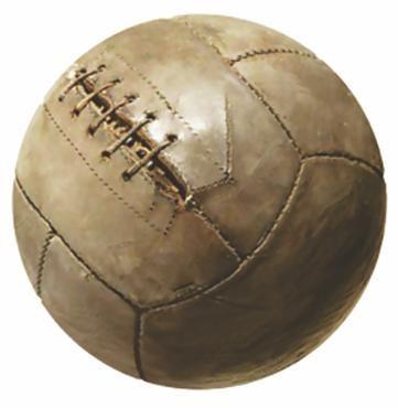0873aeea1 Feita em couro, a bola de futebol mais antiga do mundo foi encontrada no  Castelo de Stirling, na Escócia, e seria dos anos 1540, como relatado no  diário da ...