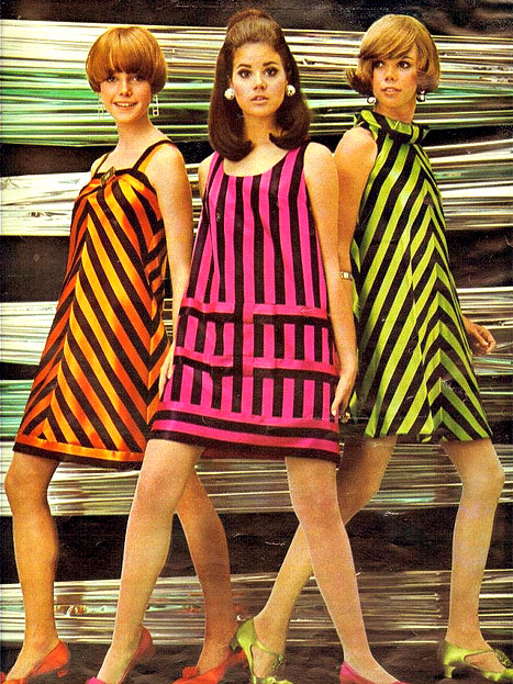 1960's Fashion. ♥ Not so much the pink but the print/ design of the green and orange are super cute!
