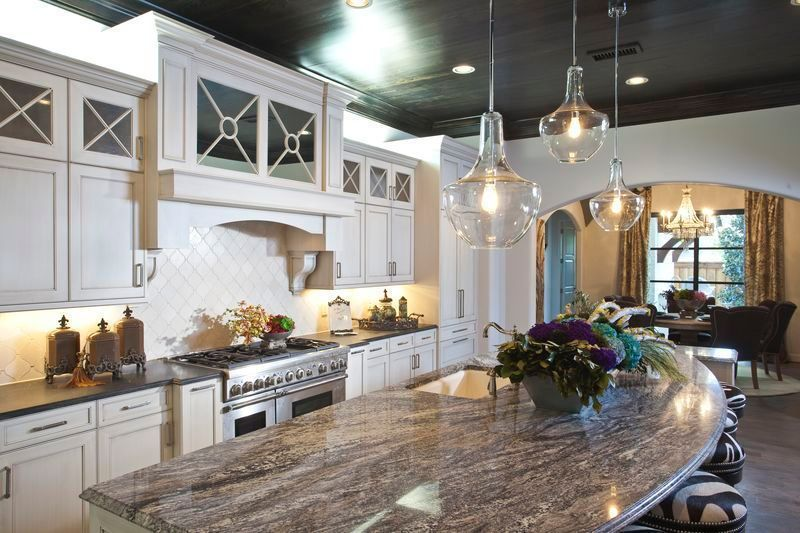 the details and largeness of this dream kitchen give the