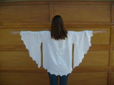 Refashion Tutorial: Make a Tunic Blouse From a Small Round Table Cloth  #birdfabric