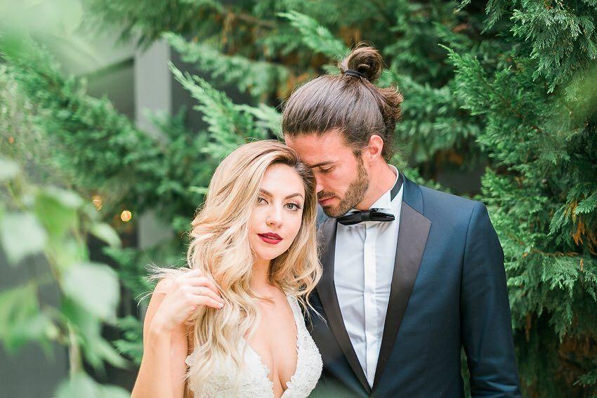 Amanhã vamos publicar um 'sneak peek' do casamento da @_dianalissa e do @pedrosalvador2. Mas não resistimos a partilhar hoje uma imagem deste casal maravilhoso  Diana e Pedro vocês são fantásticos! Foi um prazer enorme enorme mesmo conhecer-vos. Desejamo-vos o melhor do mundo sempre!  #dianapedrolovin #weddingphotography #weddingphotographer #theprettyblog  #thehappynow #meaningfulwedding #weddinginportugal #portugalweddings #europedestinationweddingphotographer #portugalweddingphotographer…