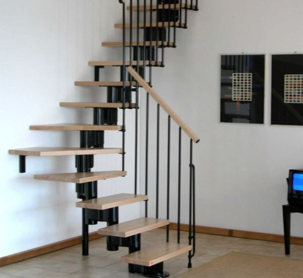 Smart Floating Stairway Design Maximizes Space On Offer Decoist - Suspended style floating staircase ideas for the contemporary home