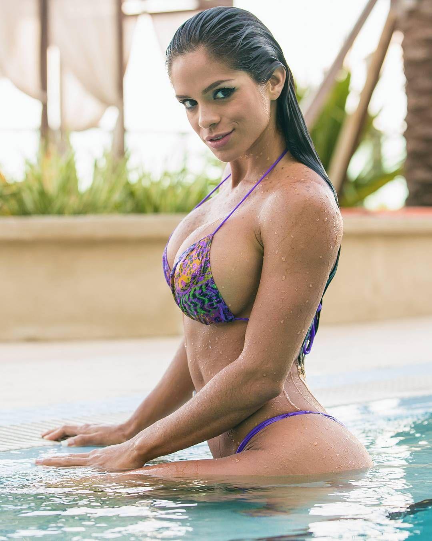 Sexy Michelle Lewin nude photos 2019