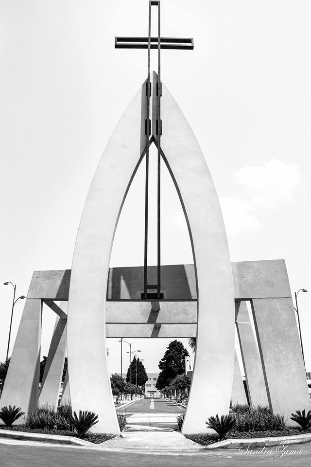 Monumento da Ressurreição em Cascavel.  Arquiteta Isabella Dalfovo Foto: Sanda Zama