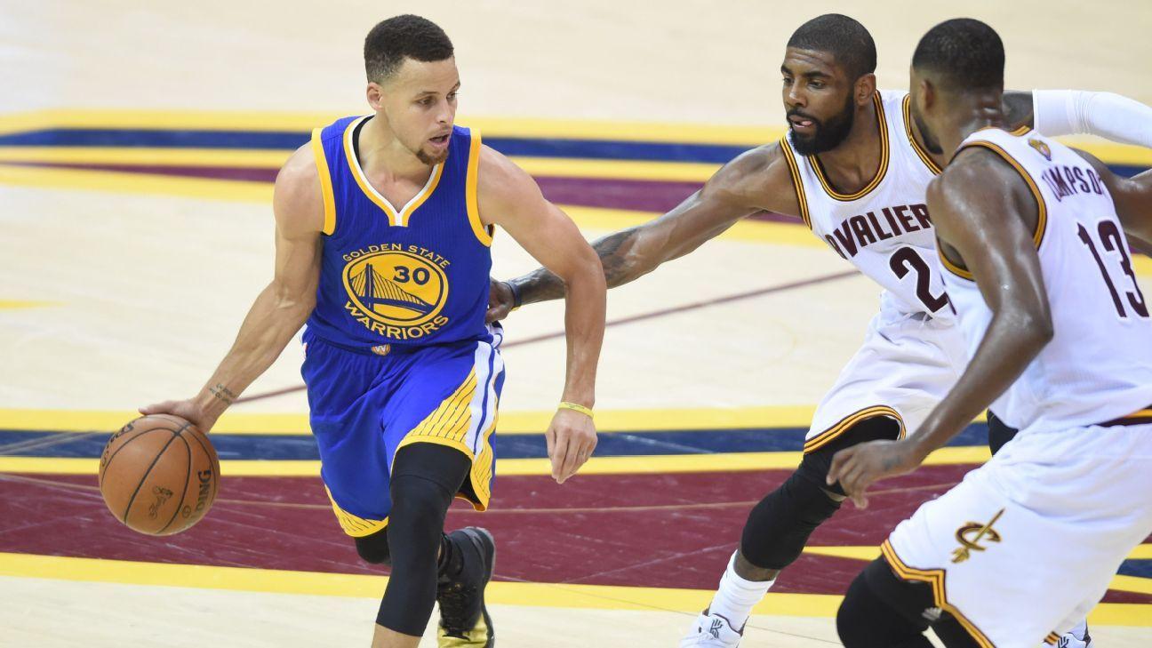 Curry ejected in Warriors' loss; Kerr rips refs Steve kerr