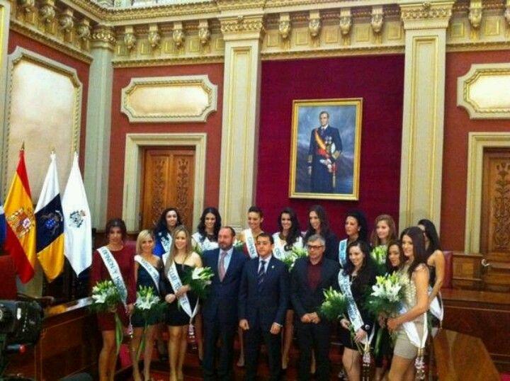 Recepción del alcalde Jose Manuel Bermúdez, a las candidatas a Reina del Carnaval de Santa Cruz de Tenerife 2013