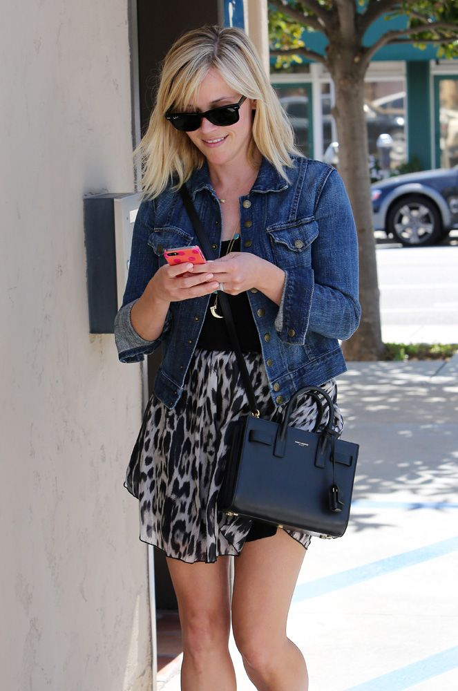 8582638aa3 Reese Witherspoon Saint Laurent Sac de Jour Micro Bag 2