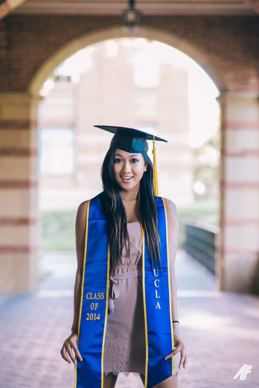 College Graduation Senior Picture Ideas