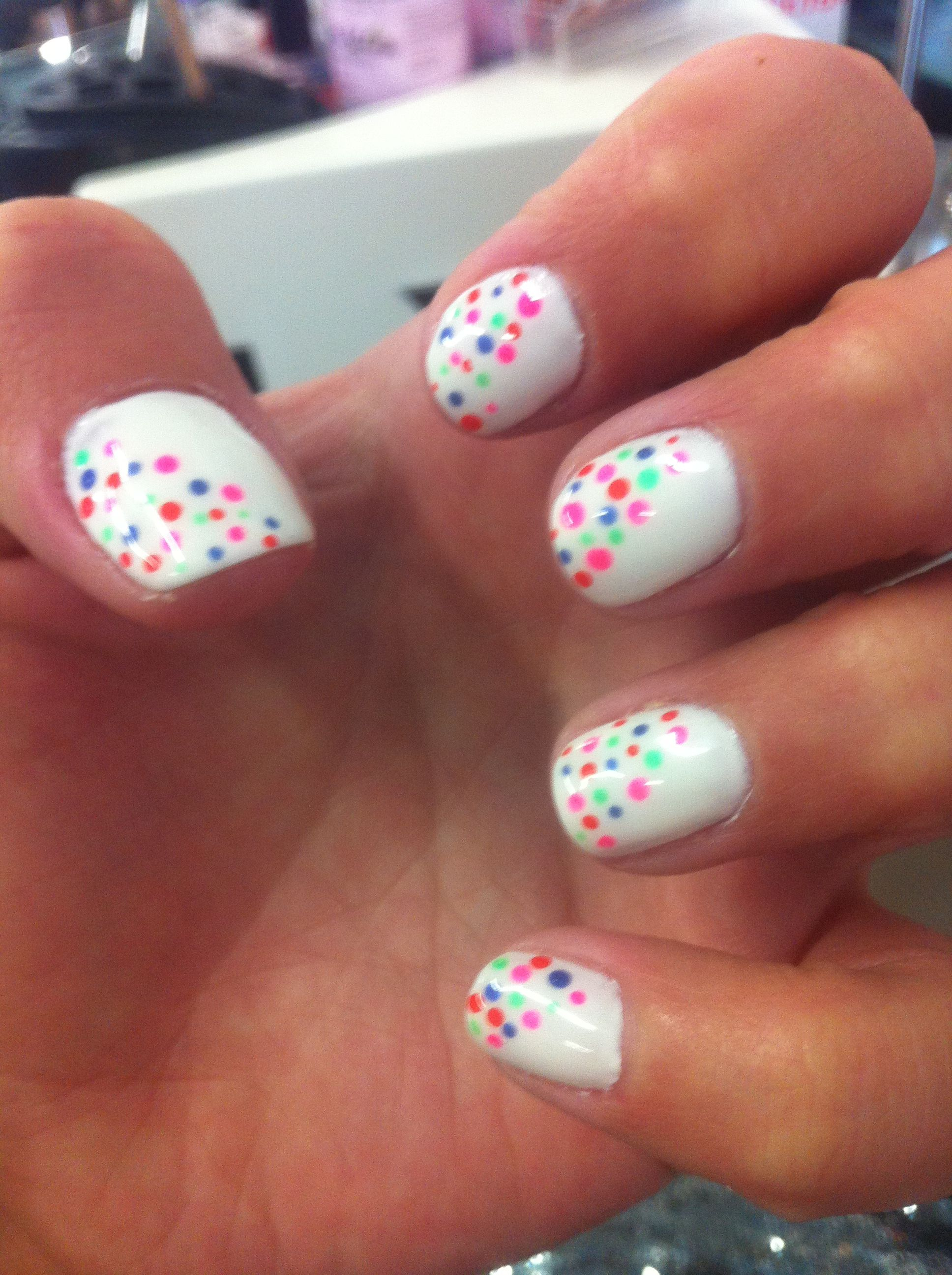 Awesome Spring Nail Design!