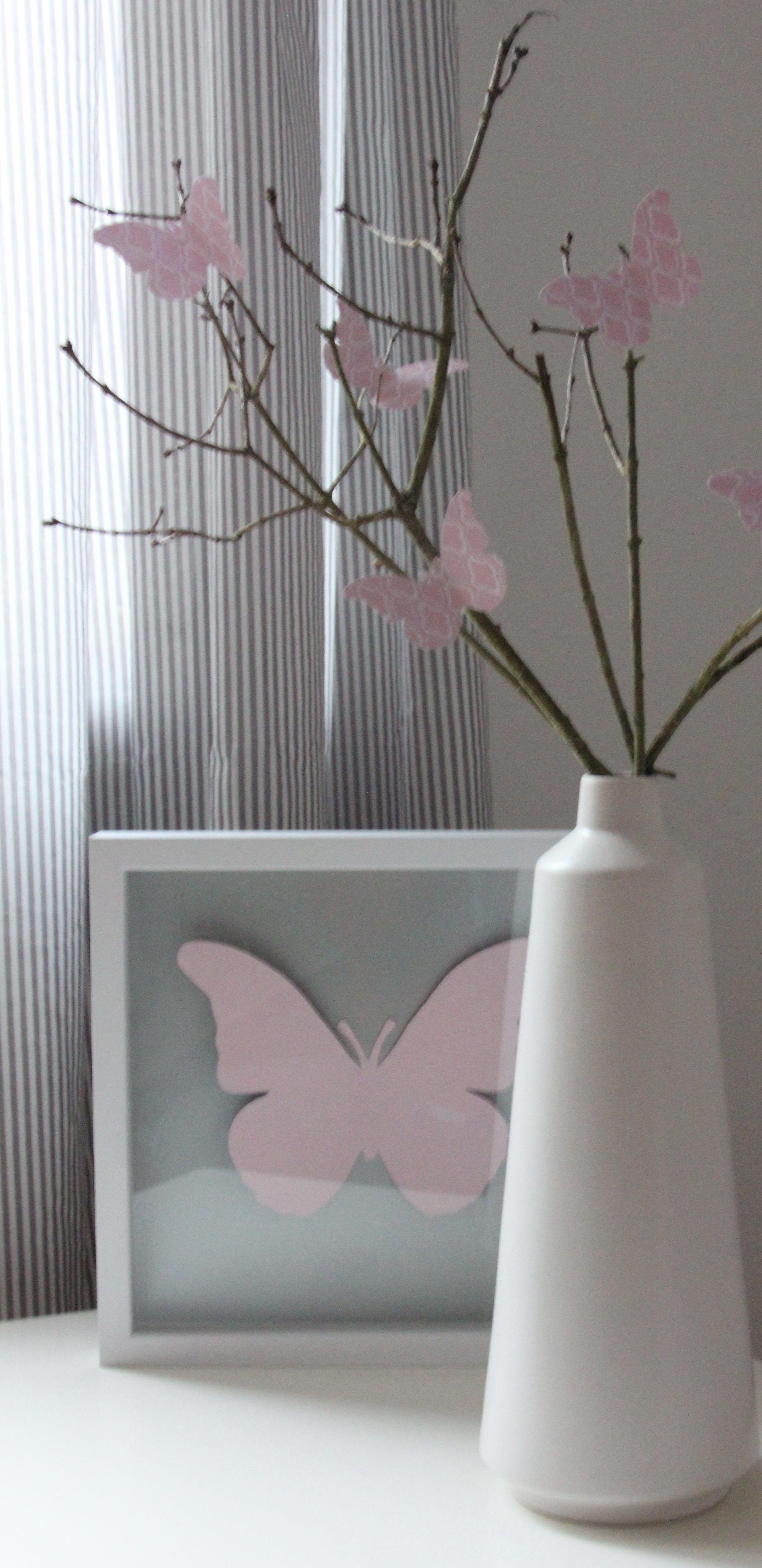 sch ne deko f r das kinderzimmer einfach schmetterlinge ausschneiden an den ast und in den. Black Bedroom Furniture Sets. Home Design Ideas