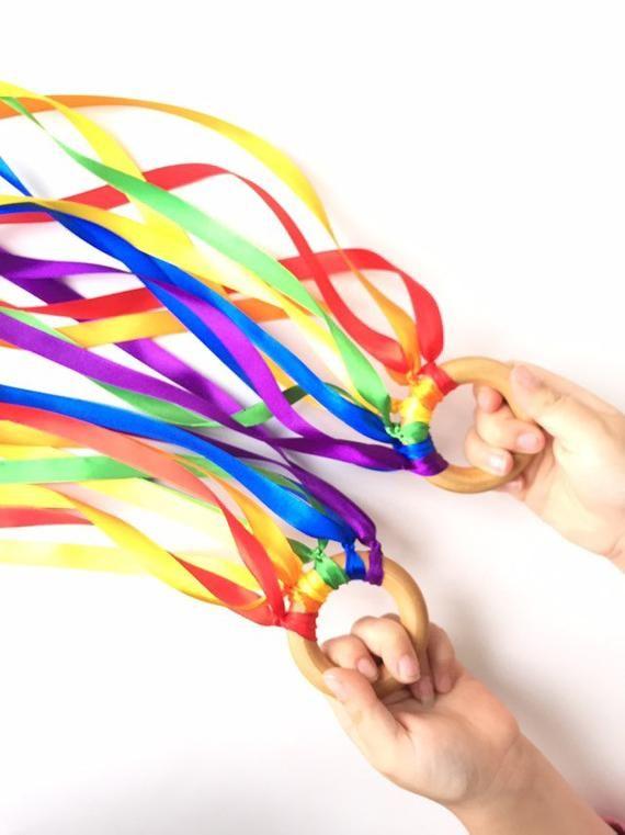 Hand Kites, ribbon wand, Waldorf wind wand #rainbowcrafts
