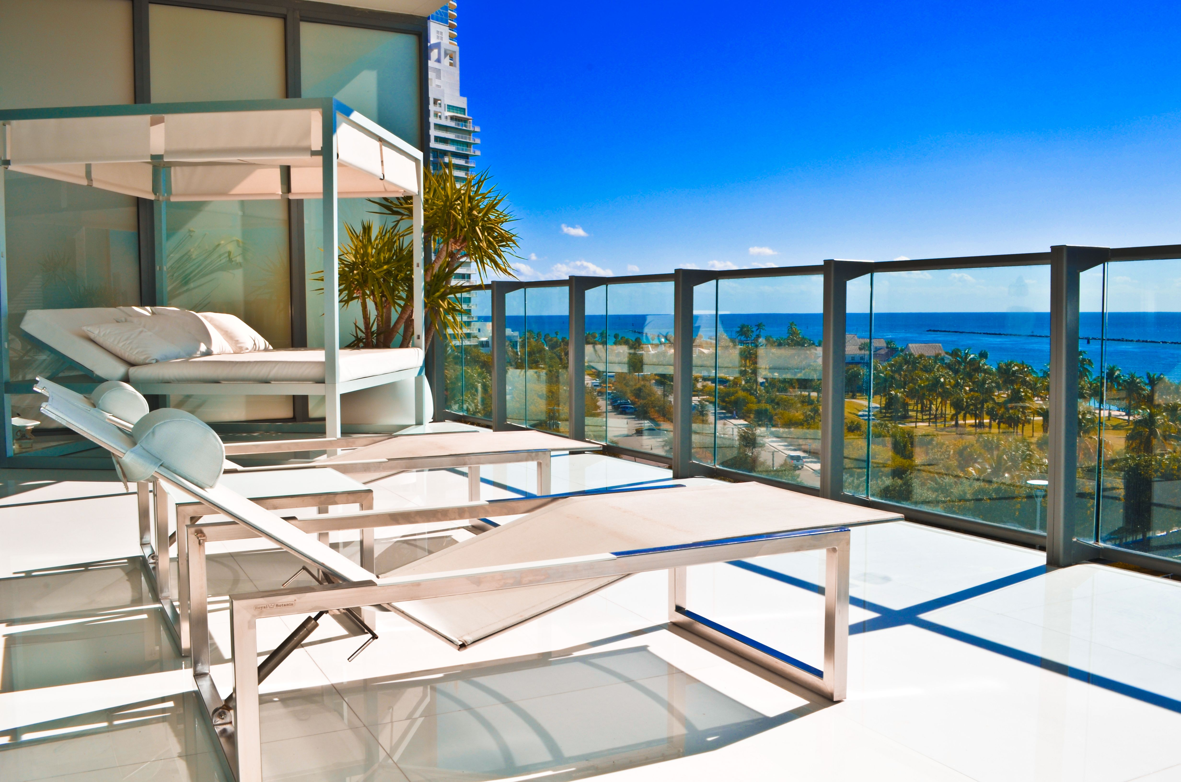Balcony / Ocean View / Outdoor Furniture / Daybed with