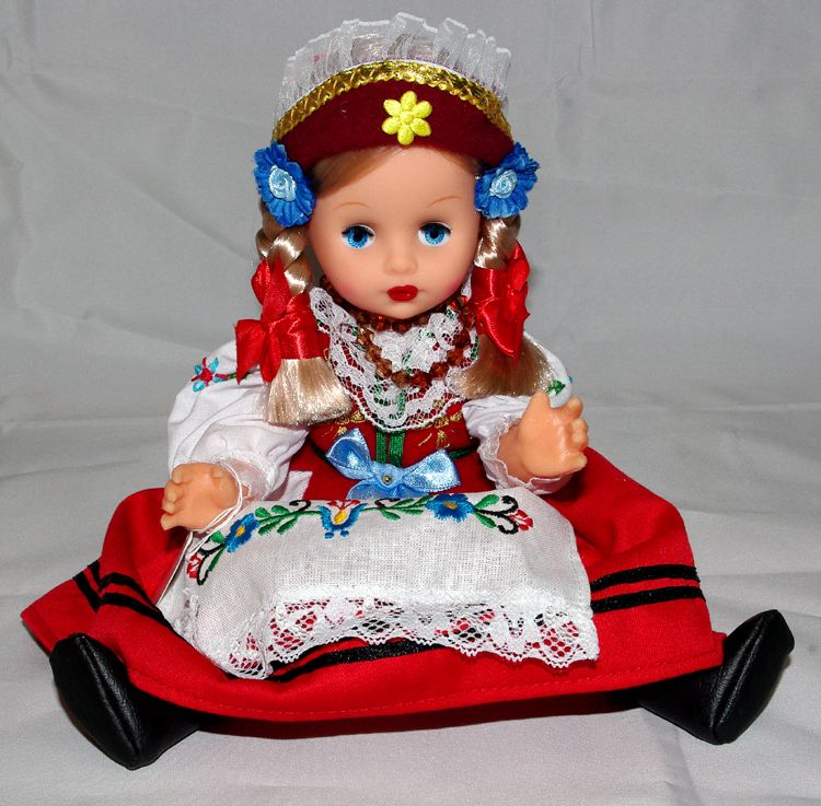 Polish Doll with traditional dressing from Kaszuby. Boxed. 12in