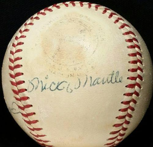 c4dc86386d4 1955-56 MICKEY MANTLE Signed New York Yankees Team Signed Baseball HOF vtg  50s