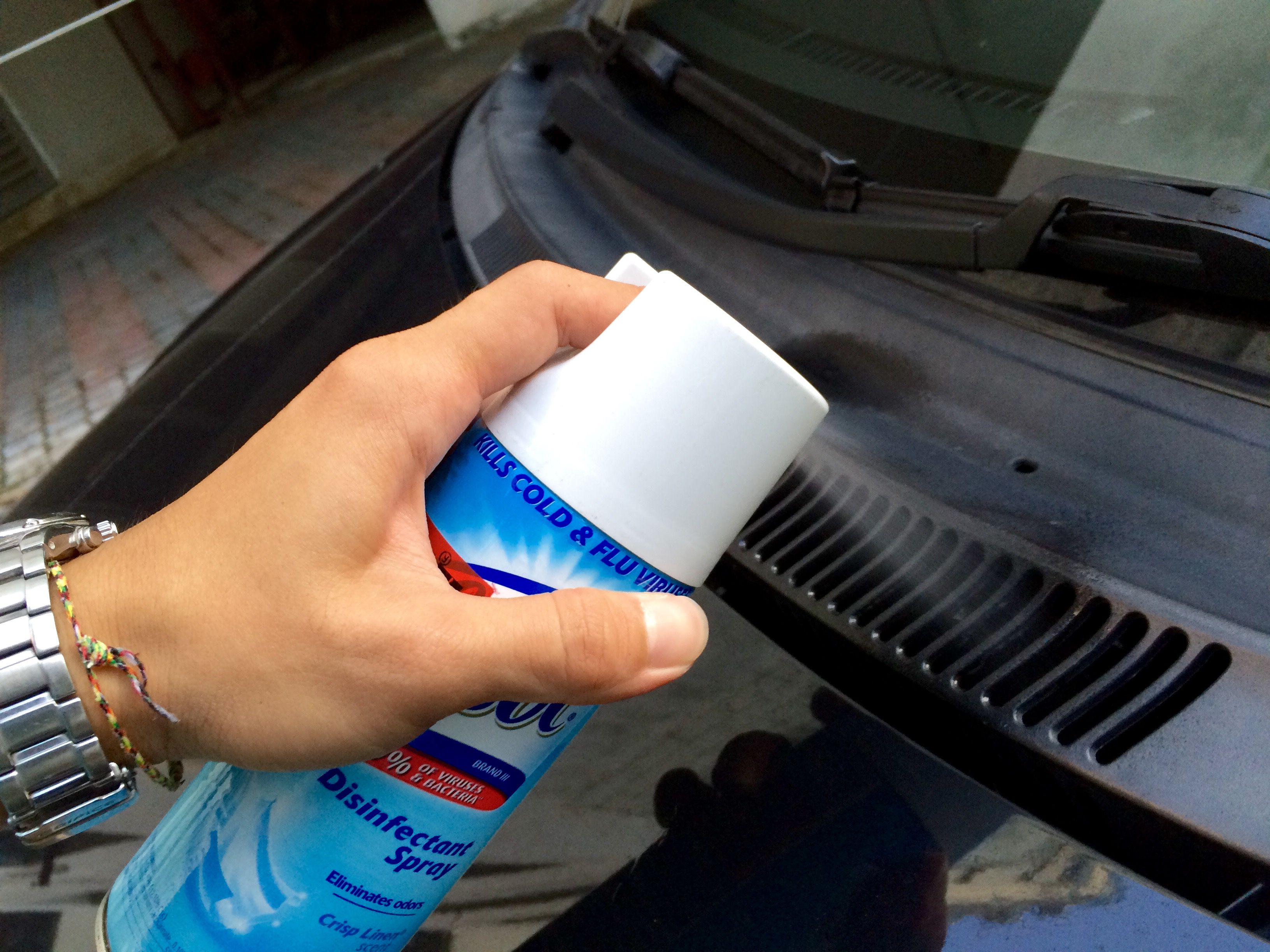 DIY Fix Bad Smell in Car Air Conditioner with Lysol Car