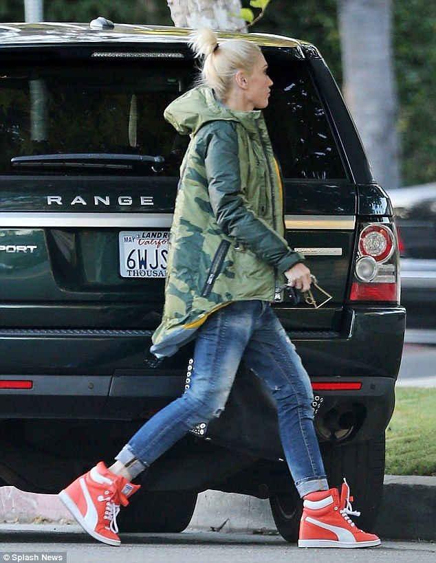 9b2af554f75cb Gwen Stefani is back to mommy duty as she reveals about Blake Shelton   dailymail
