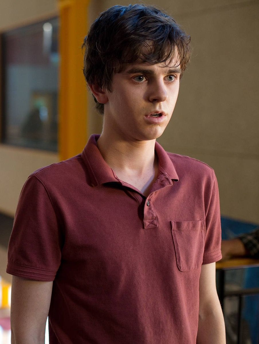 Freddie Highmore As Norman In Bates Motel Freddie Highmore Freddie Highmore Bates Motel Norman Bates Motel