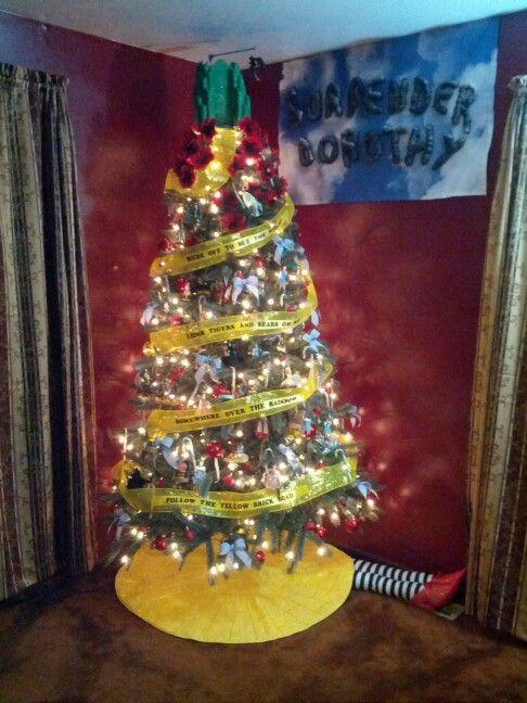 Wizard of Oz Christmas tree - Wizard Of Oz Christmas Tree Wizard Of Oz Pinterest Wizard Of
