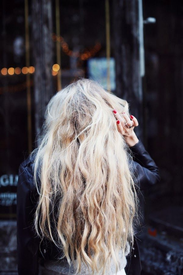 messy waves + red nails.