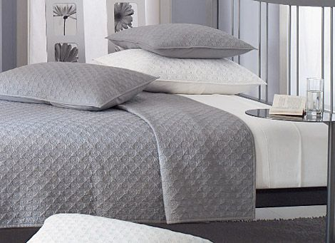 Light Gray Bolero Quilt. (I Need New Bedding)