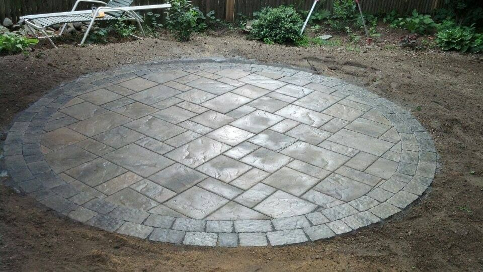 Charmant Circle Patio   Techo Bloc Blue 60mm In Champlain Gray With Allegro Boarder  In Shale Gray