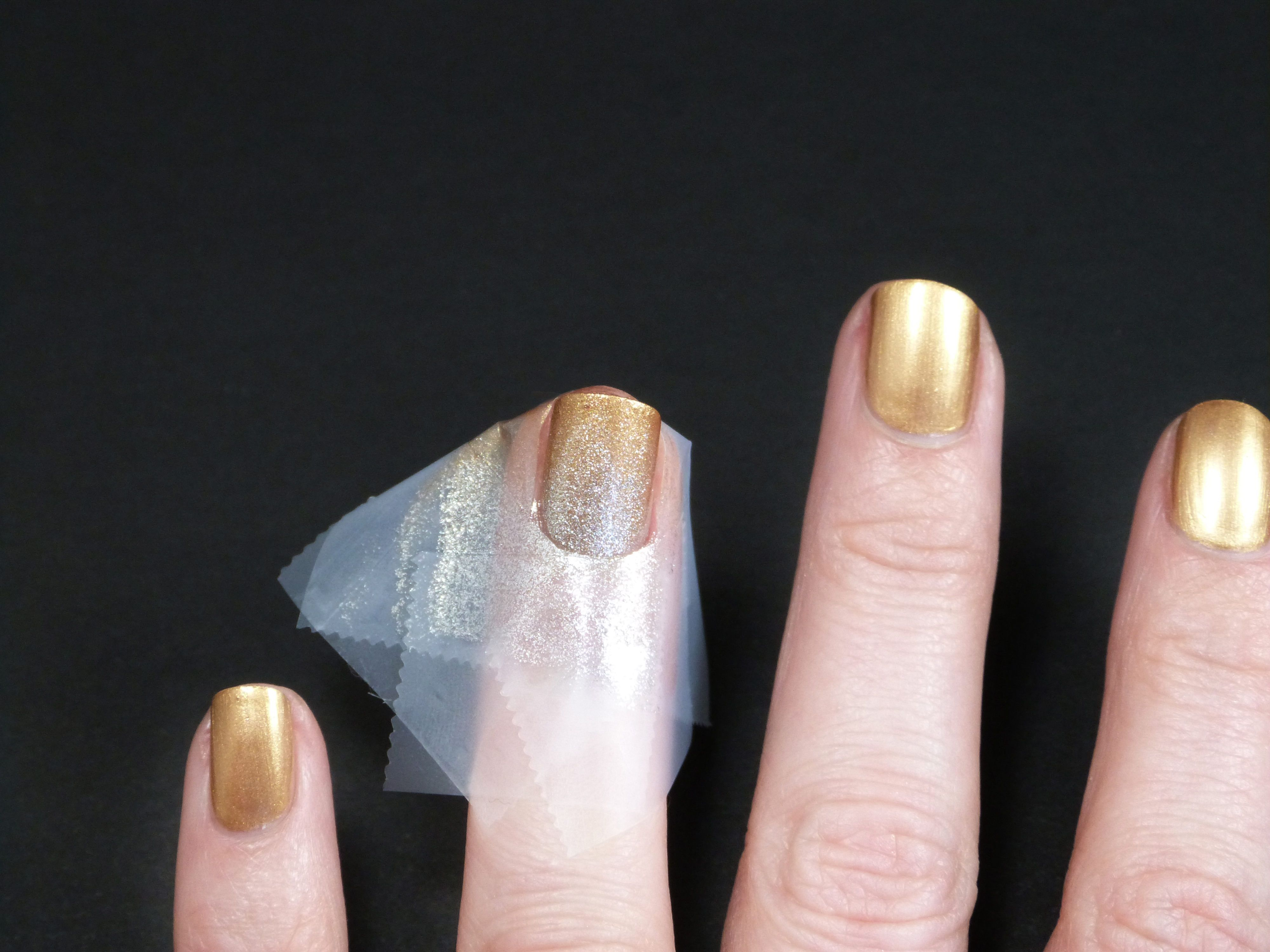 Scotch Magic Tape Art Deco Tutorial Step 6 Sponge The Paint Onto Nail