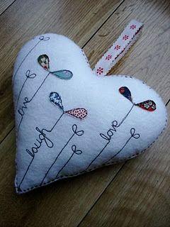 applique felt heart by British artisan, Supercutetilly