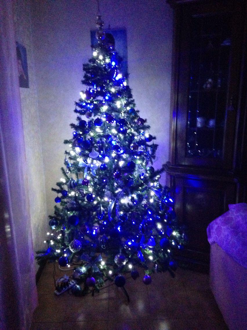 Albero di Natale    buone feste da franco gabliella monica roberta