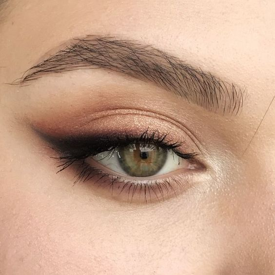 50+ Winged Eyeliner Looks Ideas 31 -