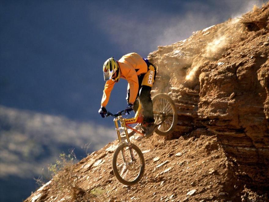 Pin By Mr Markus On Sport Best Mountain Bikes Downhill Mountain