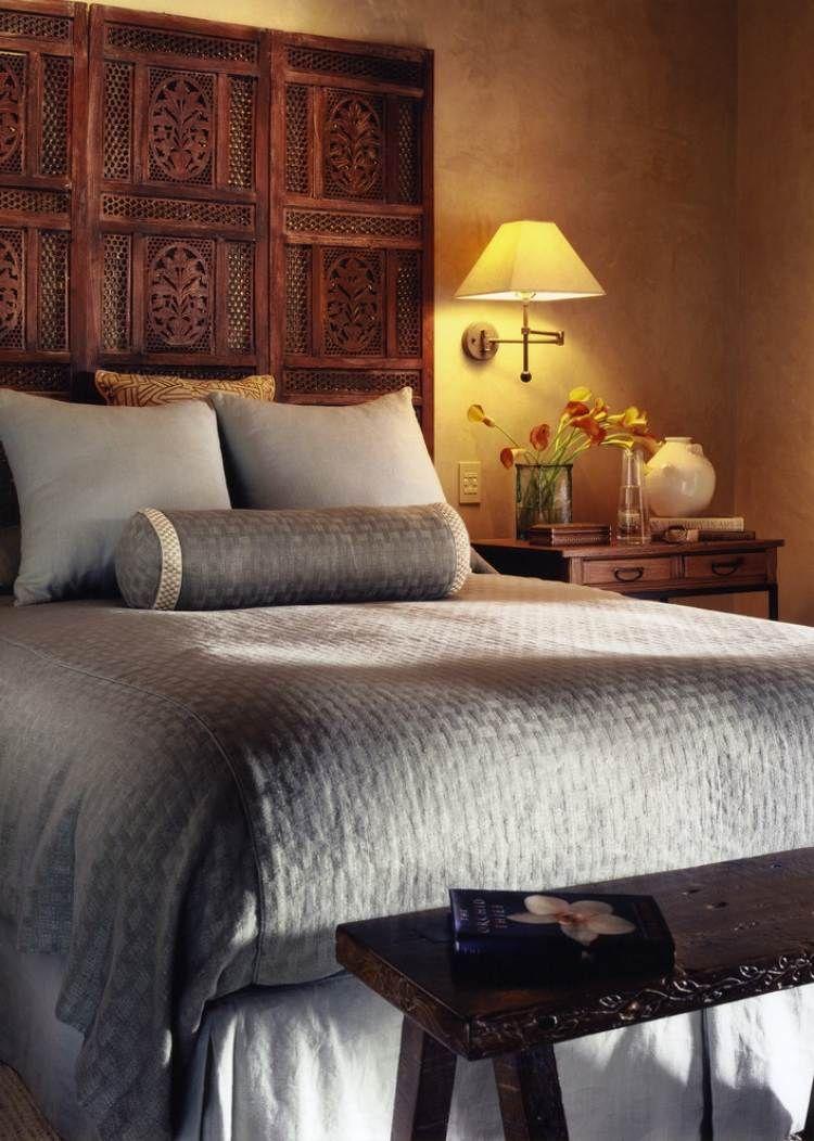 Charmant Schlafzimmer Einrichtung Mit Asiatischem Flair Wandleuchte Liefert Warmes  Licht