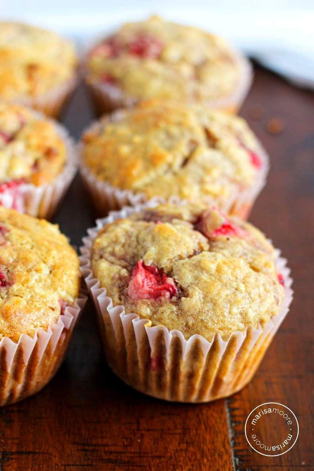 Fresh Strawberries Oats And Buttermilk Combine In These Healthier Breakfast Muffins That Are Perf Healthy Breakfast Muffins Fruit Desserts Easy Fruit Recipes
