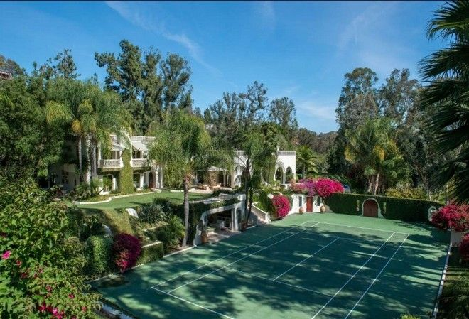 Pin By Celebrity Homes On Celebrity Homes Beverly Hills Houses Beverly Hills Mansion Mansions