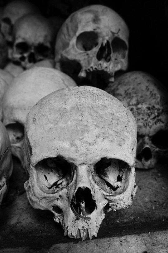 Картинки с надписями и черепами