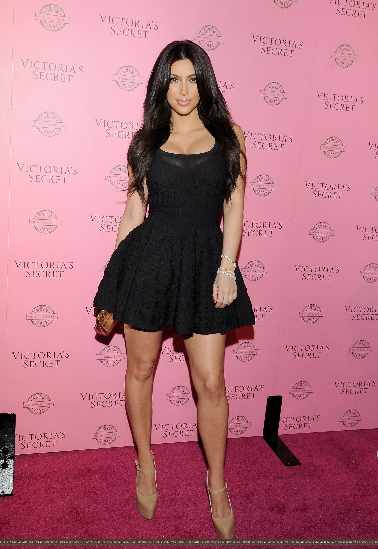 black dress kim kardashian | Kim kardashian | Pinterest | Chica ...