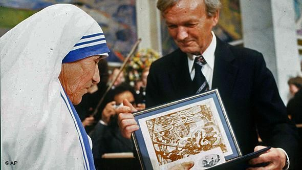 Pin By Chere Brown On Facebook Posting Board V Mother Teresa Essay Biography Biographical Short