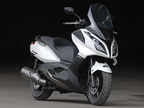 kymco dink street 125 coches y motos pinterest scooters. Black Bedroom Furniture Sets. Home Design Ideas