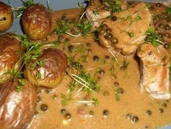 Photo of Schweinemedallions an Pfeffer-Cognac-Sauce – Rezept
