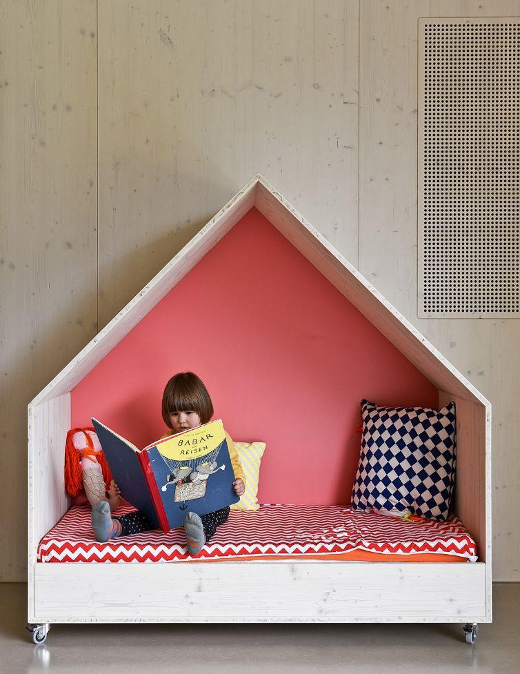 dachparade kinder und familienzentrum in ludwigsburg. Black Bedroom Furniture Sets. Home Design Ideas