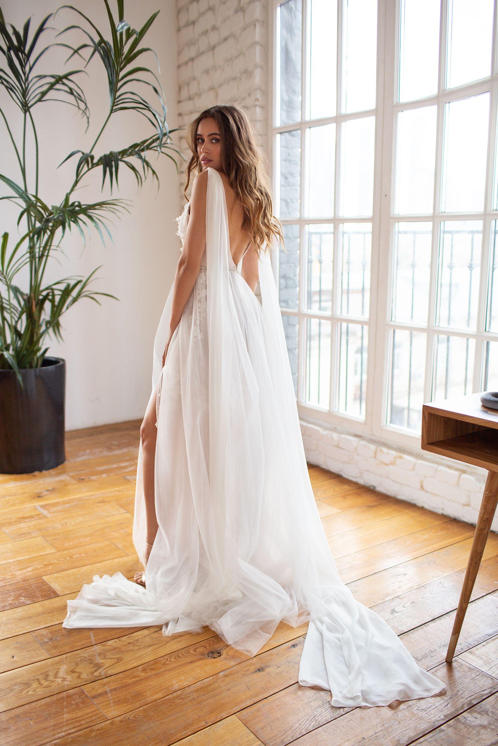 Pin On Dream Dress [ 2500 x 1667 Pixel ]