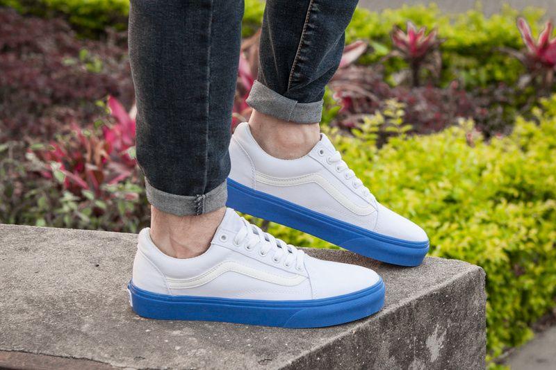 a662d1b1ad vans van lace cat with the same white blue canvas shoes FS078 35-4417