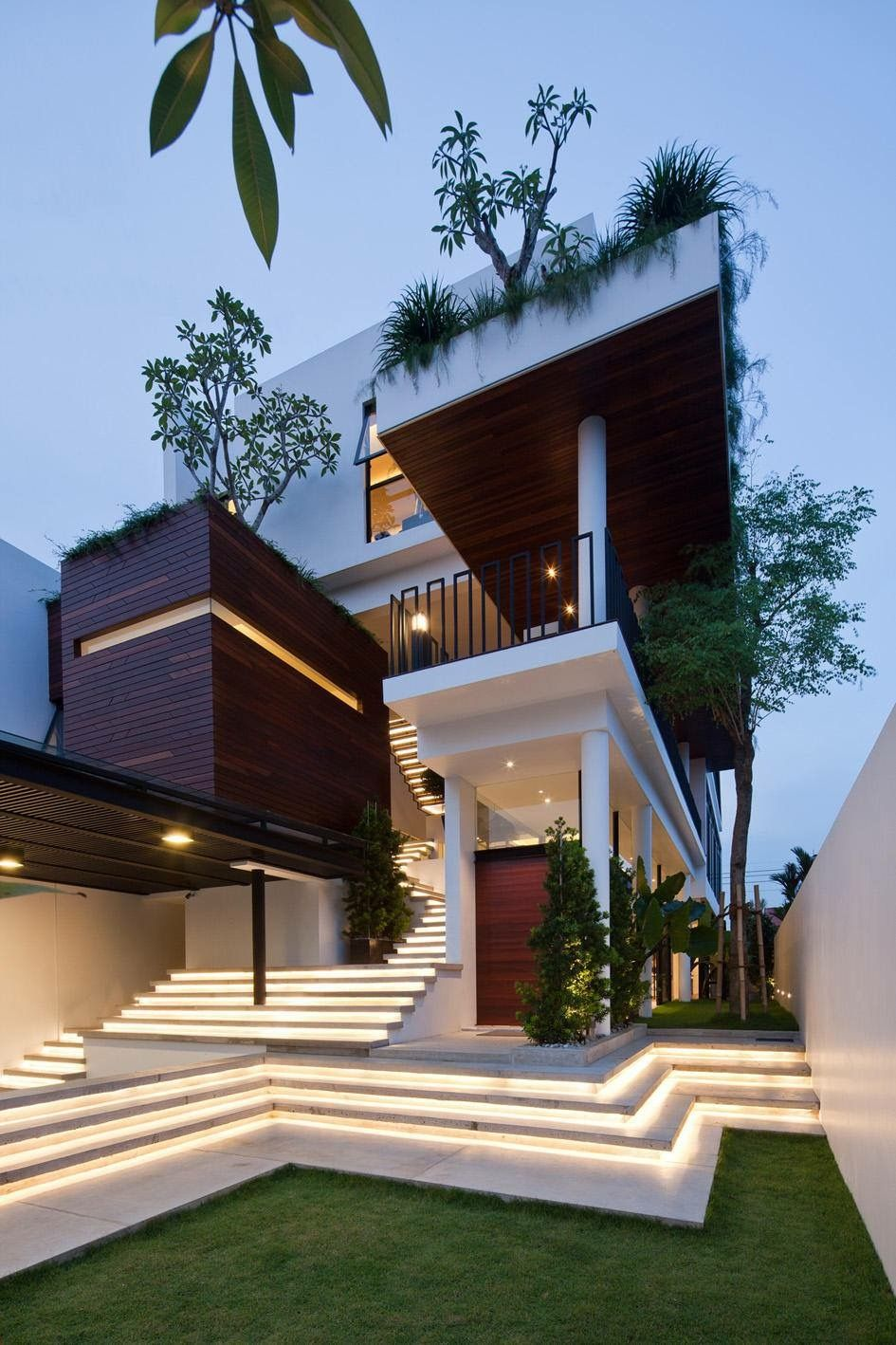 Pin By Harshvardhan Jadeja On Elevations Modern House Design Architecture House Facade House