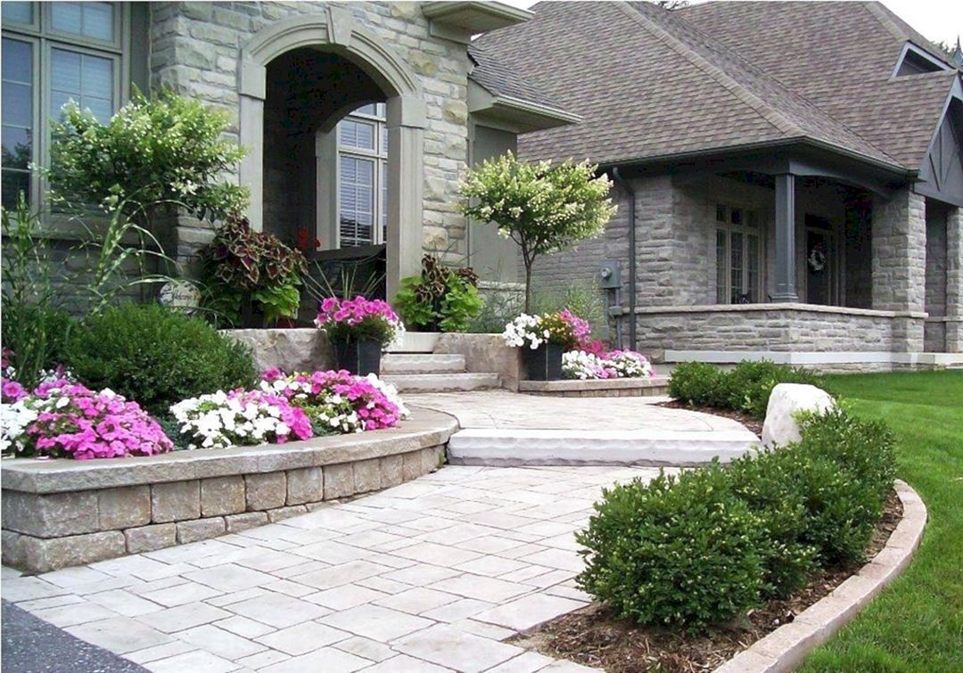 24 Astonishing Garden Design For Small Landscaping On Your Home Yard Ideas Front House Landscaping Landscaping Entryway Front Yard Landscaping