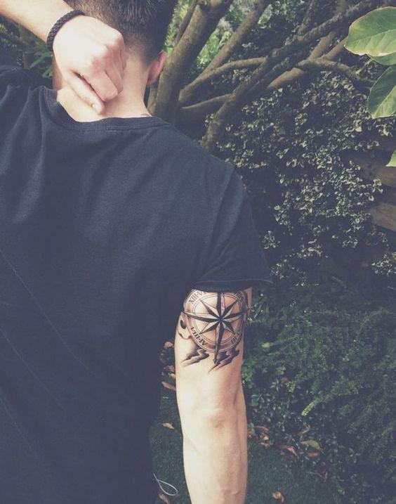 1001 Idees Arm Tattoos Compass Tattoo Et Tattoo Designs